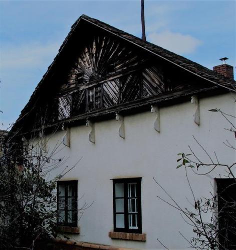 3. Kovács Lajos - Hattyúnyakú konzolok